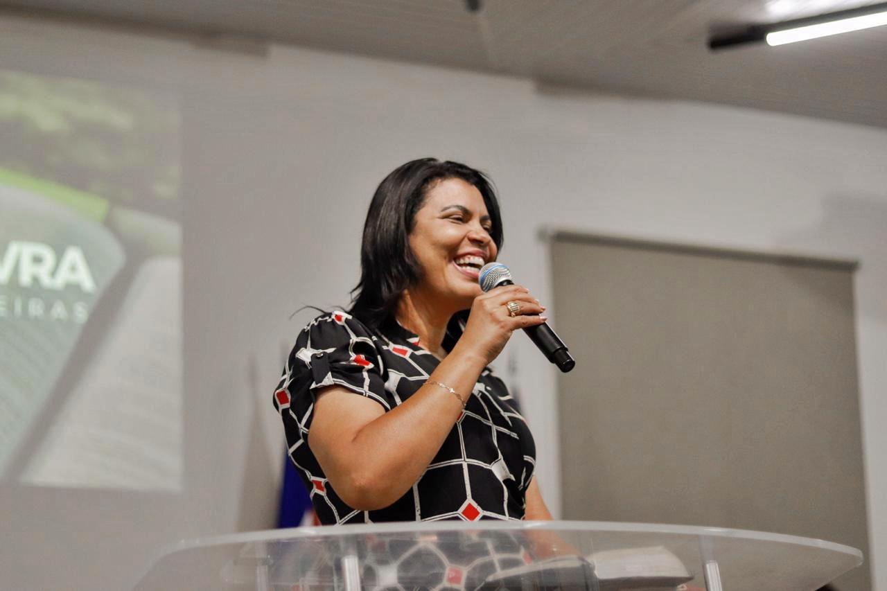 Missionária Elisama Brito, em visita a AD Cocal do Sul na quarta-feira (25). Foto: AD Cocal.