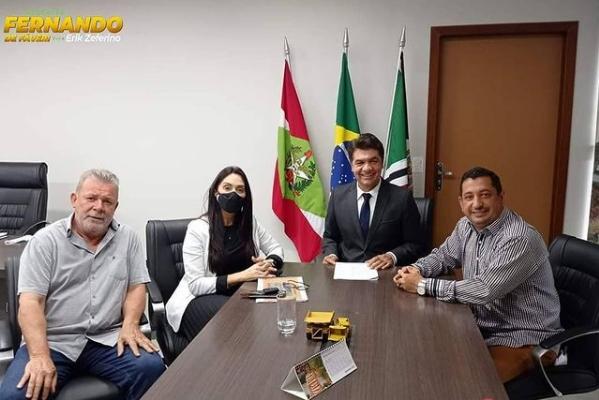 Fernando em visita ao prefeito reeleito de Criciúma, Clésio Salvaro. Foto: reprodução Instagram