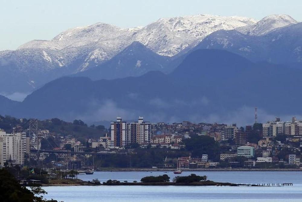 Neve foi vista no Cambirela, em 2013 — Foto: Alvarélio Kurossu, BD