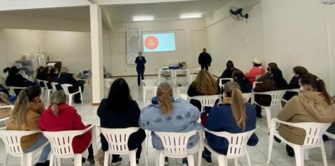 Agentes comunitárias de saúde de Cocal do Sul recebem qualificaçã