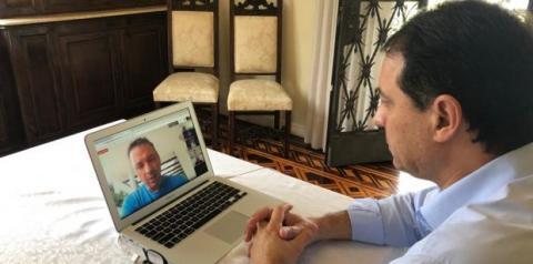  Carlos Moisés sinaliza prorrogação de isolamento social no Estado em reunião com prefeitos