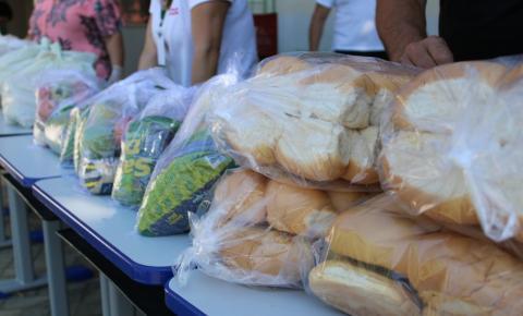Central da Merenda produz 45 mil pães para kits de alimentação escolar