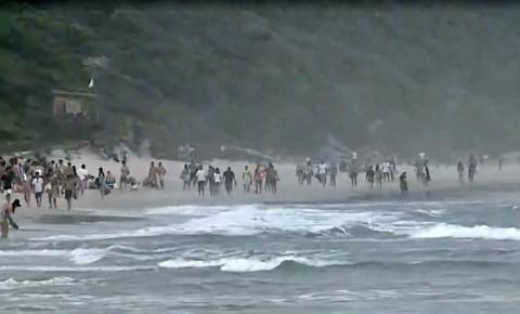 Praias cheias e 109 casos ativos de Coronavírus em Imbituba
