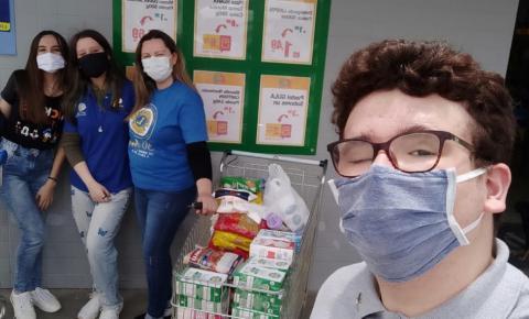 LEO Clube de Cocal do Sul realiza campanha em supermercado