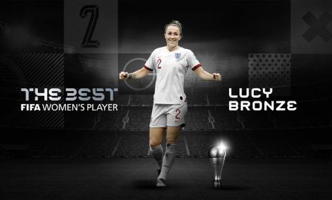 Lucy Bronze é eleita a melhor jogadora do mundo