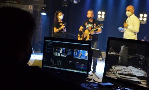 MPB, Raul Seixas, e música eletrônica na primeira noite de LIVE Cultural em Cocal do Sul