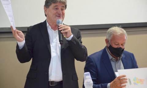 Prefeito de Orleans, Jorge Luiz Koch, é o 38º presidente da AMREC