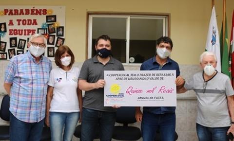 Coopercocal entrega doação do FATES ao Hospital Nossa Senhora da Conceição