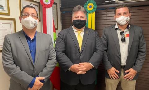 Em agenda na capital, prefeito garante mais de R$ 600 mil de recursos para Cocal do Sul