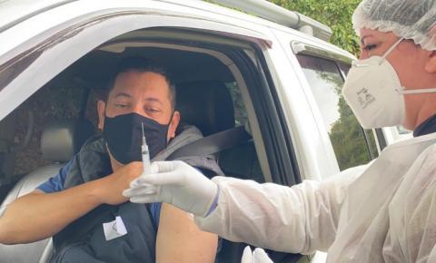 Prefeito de Cocal do Sul recebe vacina contra a Covid-19