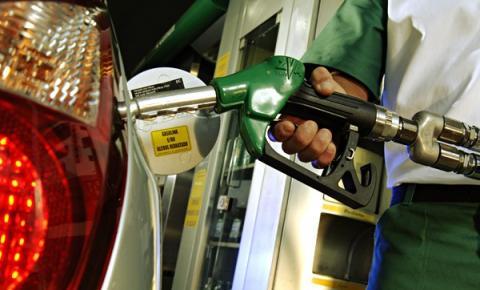 Petrobras anuncia aumento de 6,3% no preço da gasolina a partir desta terça-feira