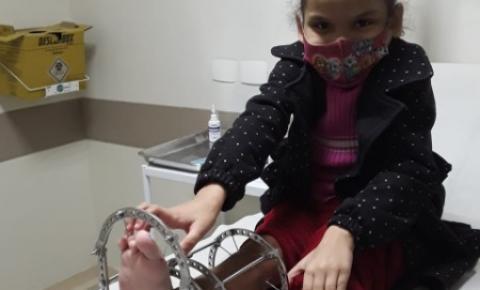 Ajude a menina Maria Luiza de 5 anos, voltar a andar