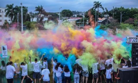 Festa das cores agita o domingo de Vinde e Vede