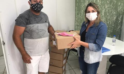 Secretaria de Saúde de Içara recebe doação de máscaras da empresa Giassi.com