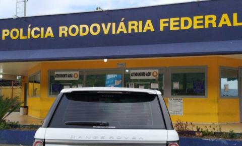 PRF recupera Range Rover roubado e com placas falsas na BR 101, em São José