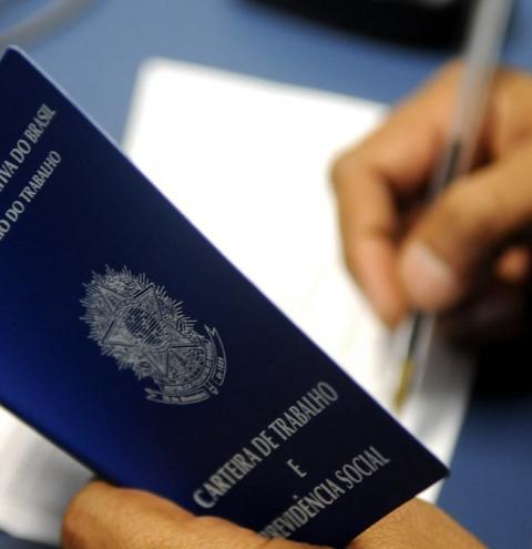Sancionada MP que permite reduzir jornada e salário durante pandemia
