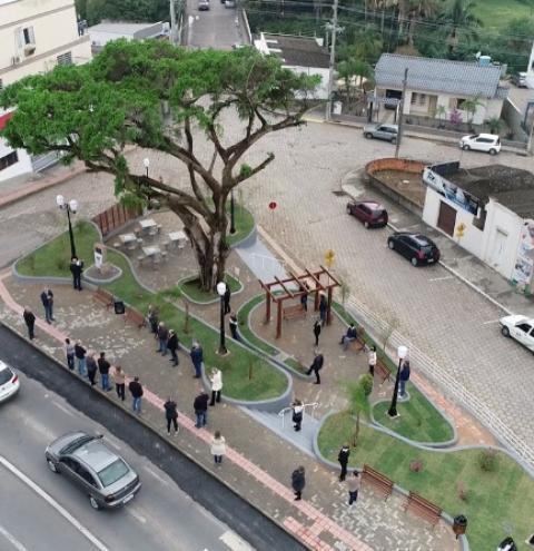 Prefeitura de Cocal do Sul realiza ato de entrega de 10 obras à comunidade