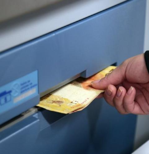 Publicadas as regras às instituições financeiras que atenderão a população a partir desta segunda-feira